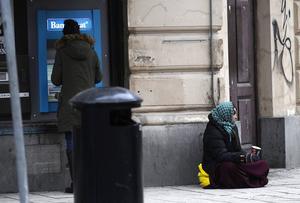 Det finns både vittnesmål och forskning som visar att det gör nytta att ge pengar till tiggare.