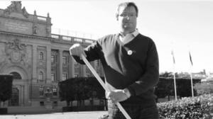 I videon sopar Lars Beckman framför riksdagshuset.