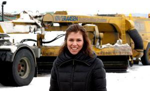 Högtryck. Caroline Droeser på Svenska Industriborstar i Irsta får jobba hårt för att klara efterfrågan från flygplatser runt om i Europa.