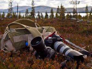 Tjugo kilos packning var plus tre kameror och några nätter i oerhörd kyla resulterade i den här bilden från Rogen i Caj och Daniel Källmalms fotobok Vårt Härjedalen.