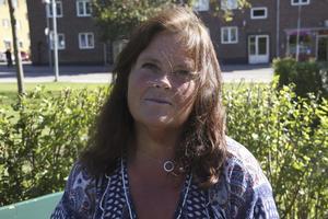Benita Holstensson, 53 år, arbetssökande, Fagersta: – Ja, jag googlar eller läser på 1177.se. Man blir ju lite förberedd men det kan ju vara onödigt också. Läkarna vill ju inte att man gör det.