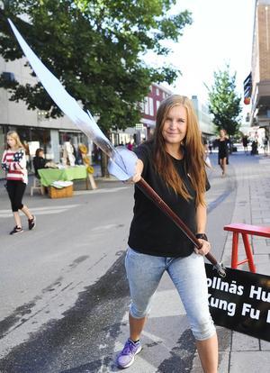 Sandra Eriksson från Bollnäs Kung-fu ville visa att hennes sport handlar om mer än att bara slå och sparka.