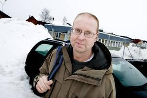"""KLUVEN. """"Rent spontant tycker jag inte om det här"""", säger Lennart                                            Lundborg som är anställd på Sandvik Materials Technology, men menar att det samtidigt är kluvna känslor eftersom flera då får ha sina jobb kvar."""