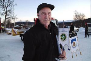 John-Erik Olofsson, 77, saknar motstycke i Sverige. När han slutade sin aktiva fjällräddartjänst för två år sedan hade han varit med på alla fjällräddaruppdrag som någonsin utgått från Vålådalen i modern tid.  Foto: Elisabet Rydell-Janson