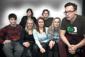 Delar av Torsbergsgymnasiets elevråd: bakre raden, Alice Goncharova, Nils Schönning. Främre raden, Ethan Turner, Elsa Zakrisson, Frida Finnström, Viktoria Modd och Micke Westlén.