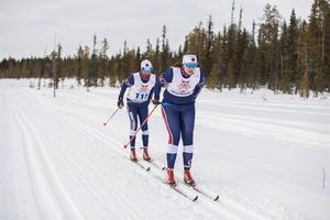 Olivia Hansson tillsammans med klubbkompisen Larz Andersson, som hon för andra året i rad åkte Nordenskiöldsloppet tillsammans med.