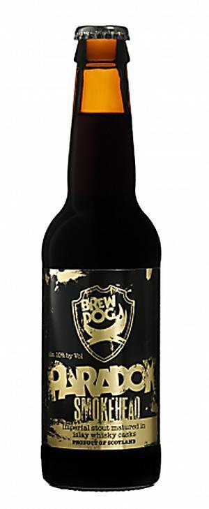 Whiskyöl. BrewDog Paradox Jura är en stout som lagrats på whiskyfat och däremed fått en tydlig rökton.