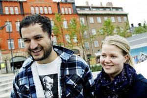 Johanna Calla och Sulayman Ahmad, Östersund:–Det var väldigt arrogant sagt och en tråkig inställning. Det verkar snarare vara han som är en knäppgök, säger Sulayman.–Det känns som om han har en attityd som att det är