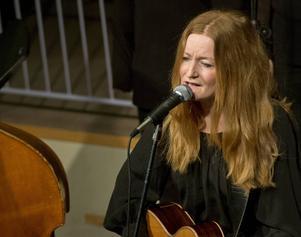 Anna Stadling spelar i Q-bar den 6 februari.
