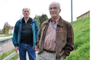 John-Erik Johansson och Bengt Liljemark från föreningen Medvind för bygden tycker att kommunen ska öppna upp för vindkraft i Lillhärdal.