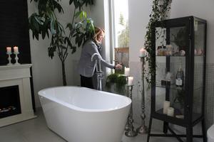 Josefine Lind har inrett ett drömskt badrum.