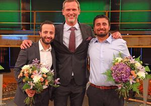 Ziad Malak, Rikard Sjoberg och Tarek Malak sammanstrålar i TV-rutan fredag kväll.