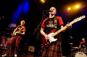 Filips Combo brukar kalla sig för ett tribute band. Förebilden? Patrik Zakrisson så klart. Foto: Ulrika Andersson