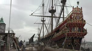 Historien om Vasa är väl känd, men Anders Wahlgren lyfter nu fram människorna kring skeppet och villkoren i dåtidens Stockholm, som återskapats med digitala kulisser.