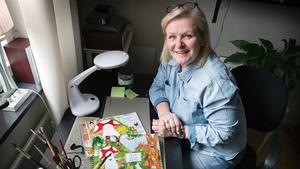"""Barbro """"Bawe"""" Hermansson som jobbat på LT i 31 år kom ut med sin första bok, byggd på sonens berättelser, för två år sedan. Nu släpper hon sin andra bok."""