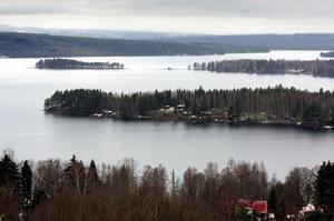 sfritt. På söndagen var Väsman isfri för första gången vintern 2006-07. Foto: Janne Eriksson