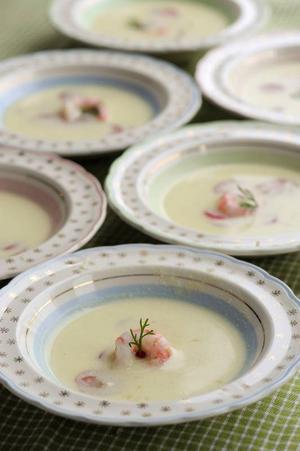 En pepparrotssoppa är en lättlagad och originell förrätt.