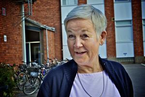 Rektor Catarina Ernlund tycker inte att skolpersonal ska tömma sopor på skolgården. Foto:Claes Söderberg