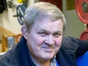 Pelle Svensson, 72 år, advokat:      – Nej, alla mina 72 jular har jag firat tillsammans med andra. Det är en tradition vi absolut ska hålla vid liv.