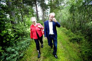 Agneta Gille, S från Uppsala menade att det måste komma in nya pengar till bekämpningen. Pengar som måste sökas hos regeringen. Mikael Oscarsson, Kd, som hade bjudit in till fredagens möte, säger att bekämpningen måste fungera som vid bränder.– Då är det självklart att brandkåren kommer. Det borde vara självklart att vi ska bekämpa myggorna också.
