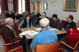 Möte. Många från Stora Skedvi tog chansen och deltog i näringslivsenhetens möte om den framtida servicen i Stora Skedvi. Foto:BerndtNorberg