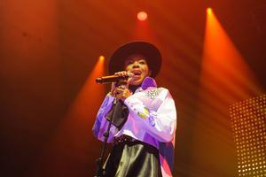 Lauryn Hill under sin spelning i Sandviken. Foto: Peder Andersson