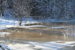 Det blev översvämning på några åkrar i Söderomsjön, när vattenregleringsföretaget tappade sjön Mållången.