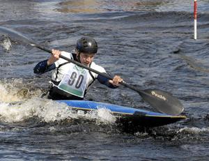 Satsar. Mårten Hellberg satsar stenhårt på att nå sitt stora mål, OS i Peking. Hemma vid Hosjöholme bjöd han på en uppvisning barndomsforsen.