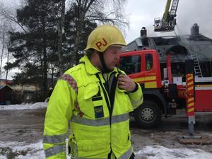 Av okänd anledning startade branden i Fogdestugan på farstukvisten.