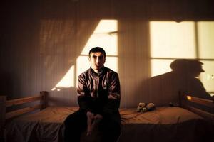 Ammer Beshir fick frågan om han kunde göra yoghurt. Det kunde han inte. Det blev en avgörande faktor för att familjen nu visas ut till Armenien, ett land de inte känner till.