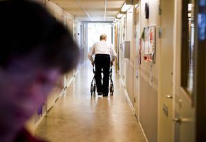 För Sidensjögården handlar det om att flytta de 20 korttidsplatserna till centrala Örnsköldsvik. Det är tänkt att påbörjas under 2016. De åtta boendeplatserna för dementa berörs inte av förändringen.