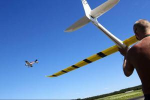 I går drog en modellflygträff på Optand i gång.60 piloter är anmälda och arrangemanget sköts av Östersunds modellflygklubb. Träffen pågår till och med söndag.