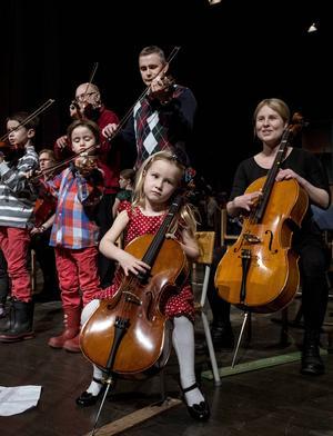 Sundsvalls Kulturskola visar upp orkesterspel när det är som störst – 150 spelkompisar på samma scen.