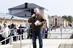 Håkan Rönnström (M), ordförande i tekniska nämnden, invigningstalade på måndagen.