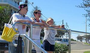 Bonusbarnbarnet Robin, Britt-Louise och Katarina i Australien 2014.