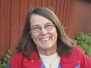 Elvira Birgitta Holm är aktuell med den nya historiska romanen Falkens döttrar.