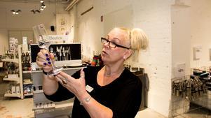 Iittala Outlets ställföreträdande butikschef Emma Larsen.