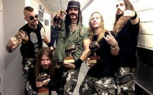 Glada trippel-vinnare på Bandit Rock Awards.
