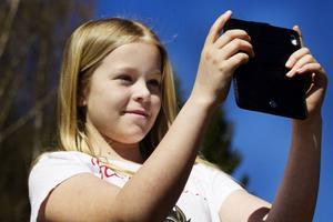 Emma Marksved passade på att fotografera sina ridskolekompisar ute på ridbanan.