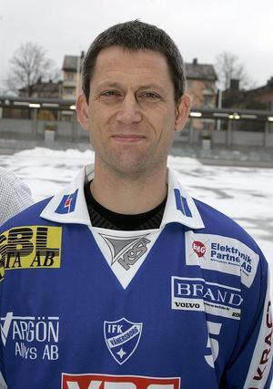 Det var länge sedan sist, men nu är Peter Andersson tillbaka i IFK-tröjan. Bilden är från 2005 – alltså 12 år gammal.