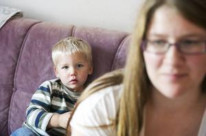 Tvååriga Valde lämnade Falu lasarett under söndagen och har sedan dess varit med mamma i Stora Skedvi.