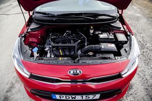 Den fyrcylindriga bensinmotorn på 1,25 liter och 84 hk ger låg bränsleförbrukning och utsläpp.