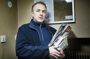 Arbetsledaren Nils-Peter Lundkvist måste ibland ställa in turer på grund av dåligt väglag.
