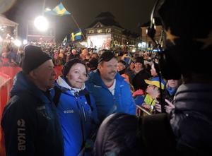 Farfar Bengt, mamma Lena och pappa Per-Erik Kalla stod också i centrum under prisceremonin.