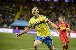 Zlatan Ibrahimovic gjorde två mål i första halvlek