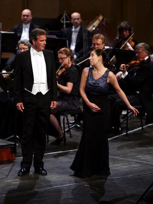 I duetterna förstärkte Maria Fontoshs och Olle Perssons röster varandra på ett intressant sätt.