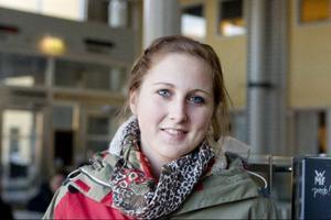 Caroline Larsson, Östersund:– Jag tycker inte man ska stressa utan ta en sak i taget, inte bara se massan. Det gick inte jättebra när jag gjorde provet, men jag såg det mer som en testomgång. Jag kom in på min utbildning genom mina betyg sen istället så jag har inte behövt göra om det nåt mer.