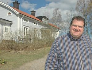 André van Kuijeren, 57 år, inflyttad holländare, Ockelbo.:– Det finns så mycket att göra i Gävleborg. Många sjöar att bada och fiska i. Många holländare gillar att fiska. Det är bara två timmar från Arlanda. Man kan gå i skog och träffa älg och björn, plocka bär och svamp. Det finns så mycket i naturen.