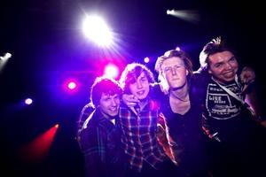 Christoffer Sundelin, Viktor Åsberg, Mattias Viberg och Alexander Lindahl är punkbandet Renvoyer. De gick vidare till länsfinal.– Skönt, vi har jobbat häcken av oss, säger Mattias Viberg.