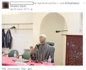 Said Rageah på plats i Gävles moské på Söder. Foto: skärmdump från facebook.com